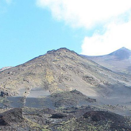 Discovering the big mountain Etna
